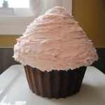 giant cupcake, buttercream icing