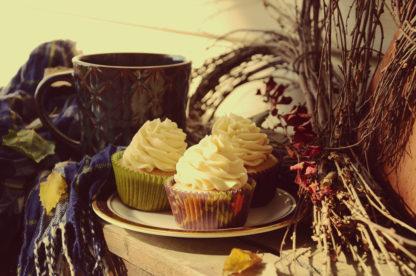 chai tea latte, buttercream icing