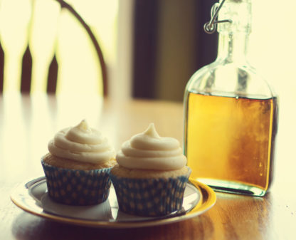 maple cupcake, cream cheese icing