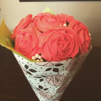 cupcake bouquet, buttercream icing, buttercream flowers