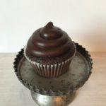 blackout cupcake, chocolate cupcake, ganache icing